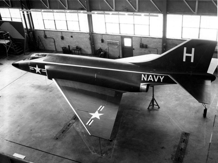 1280px-mcdonnell_f3h-g_mockup_in_1954