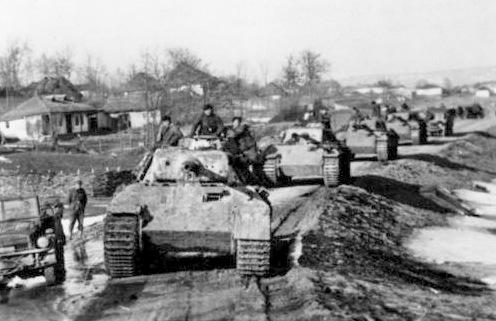 Bundesarchiv_Bild_183-J24359,_Rumänien,_Kolonne_von_Panzer_V_(Panther).2