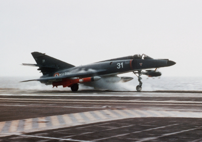 Super_Étendard_with_Exocet_launching_from_Foch_(R99)_1983
