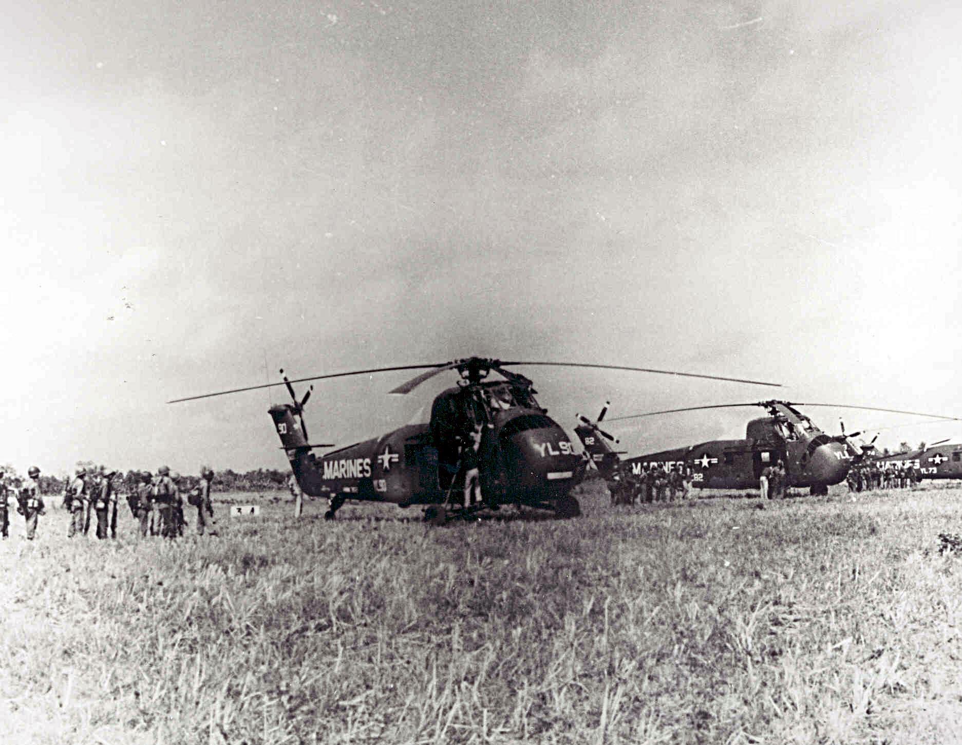 HUS-1_HMM-362_Vietnam_1962